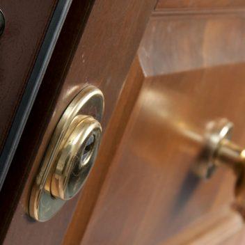 I 5 Consigli Per Scegliere La Porta Blindata Perfetta Corsaro